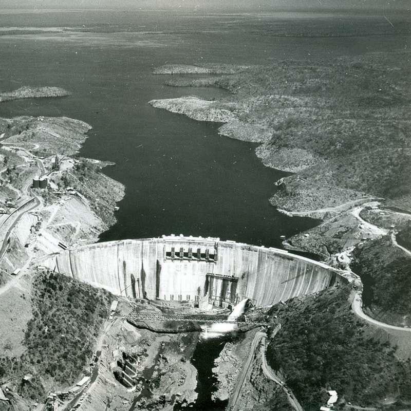 Kariba dam wall zambesi river (4)