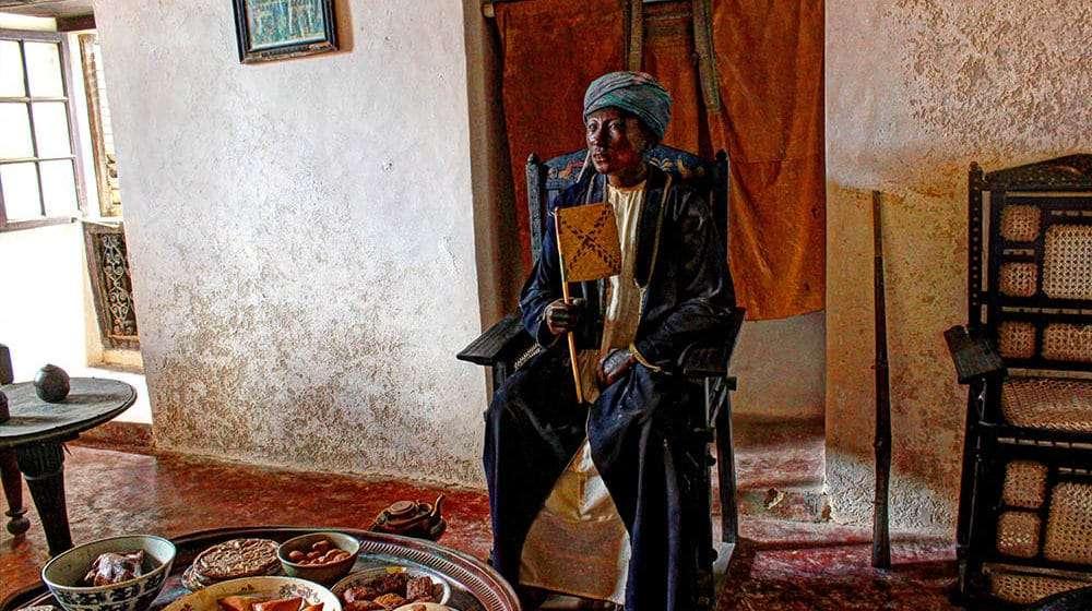 lamu old town museum highlights kenya (6) swahili house man
